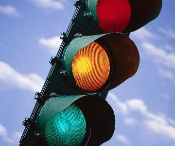 traffic-light_100316101_l